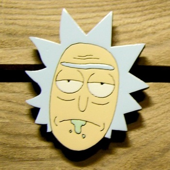 Деревянный значок Рик и Морти / Rick and Morty