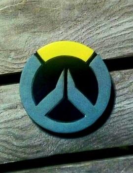 Деревянный значок Overwatch