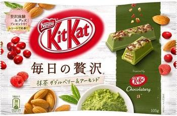 KitKat Зеленый Чай, Миндаль и Ягоды (Большая упаковка)