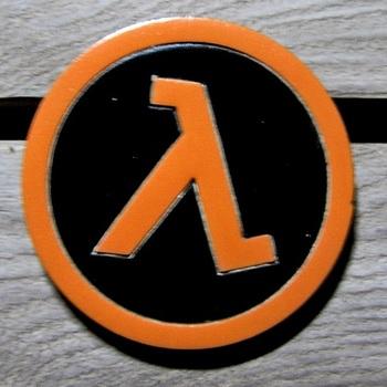 Деревянный значок Half-Life