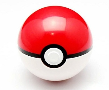Покебол с фигуркой Покемона / Pokeball with Pokemon figure
